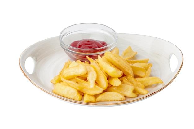 Pommes frites mit ketchup-sauce auf weißem teller