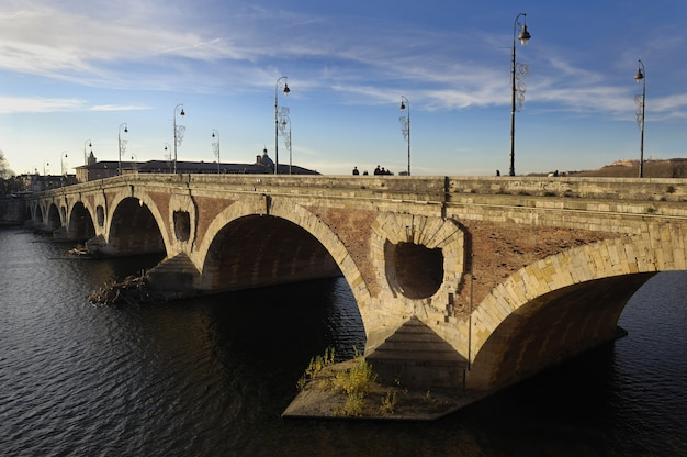 Pont neuf in toulouse, frankreich