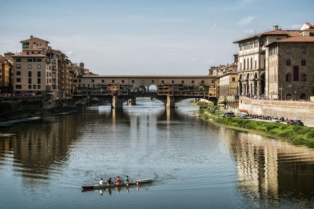 Ponte vecchio brücke in florenz - italien