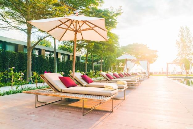 Pool hotel freizeit entspannen blau