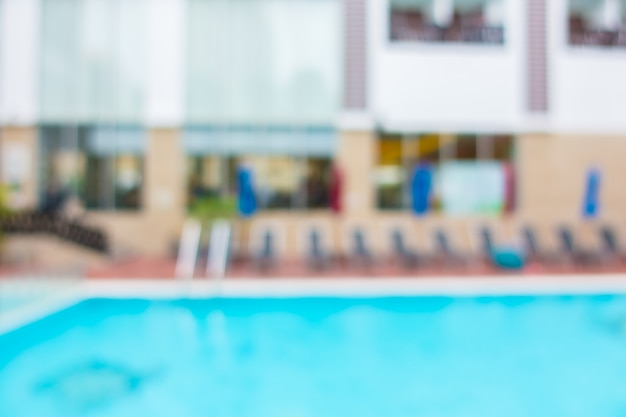 Pool mit hängematten verschwommen