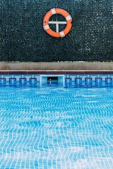 Pool rettungsschwimmer