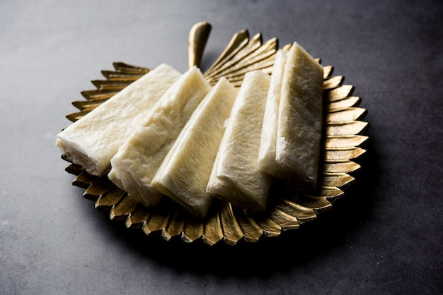 Pootharekulu ist ein beliebtes rezept aus andhra pradesh, indien