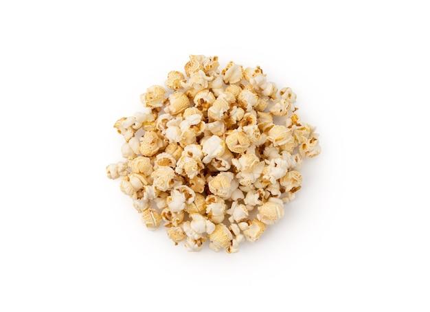 Popcorn auf weißem hintergrund