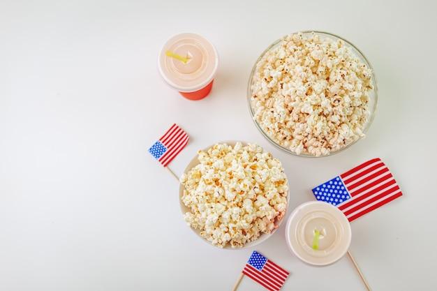 Popcorn in glasschale