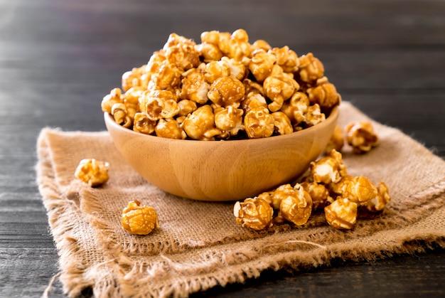 Popcorn mit karamell