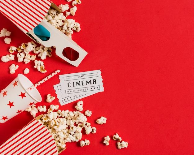 Popcorn und saft für die filmzeit