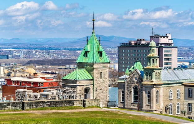 Porte kent und jesuitenkapelle in quebec city - kanada