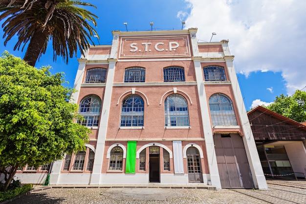 Porto, portugal - 2. juli: museu do carro electrico (straßenbahnmuseum) am 2. juli 2014 in porto, portugal