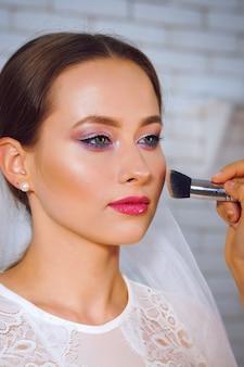 Porträt braut im make-up-salon