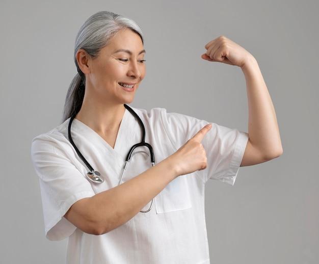 Porträt der gesundheitspersonal des smileys