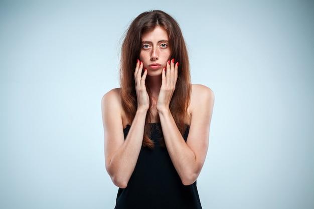 Porträt der traurigen mädchen-nahaufnahme
