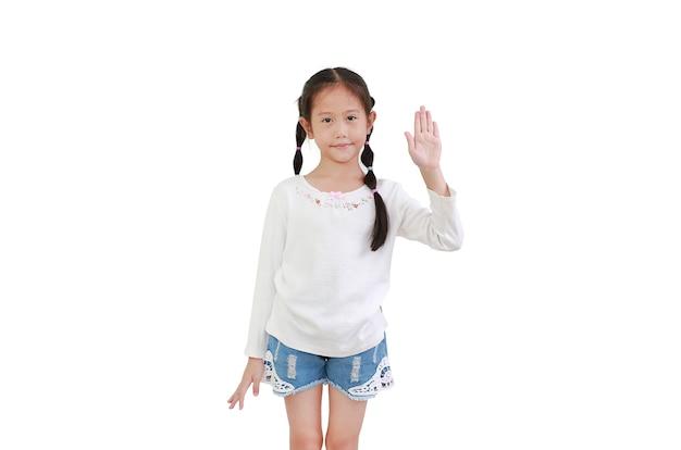 Porträt des asiatischen kleinen kindes zeigt handfläche