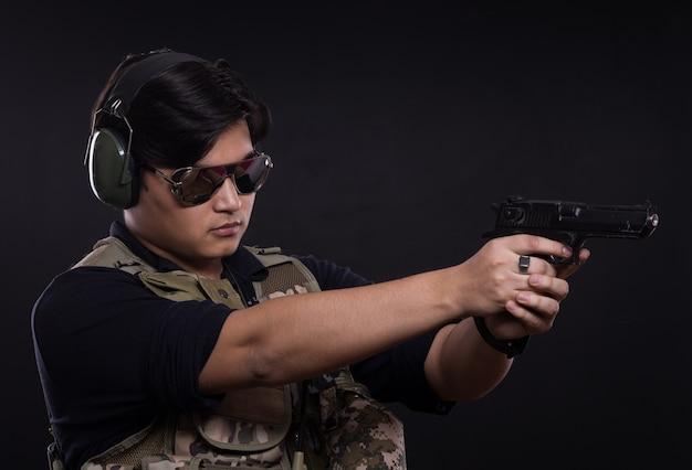 Porträt des kommandos in militäruniform
