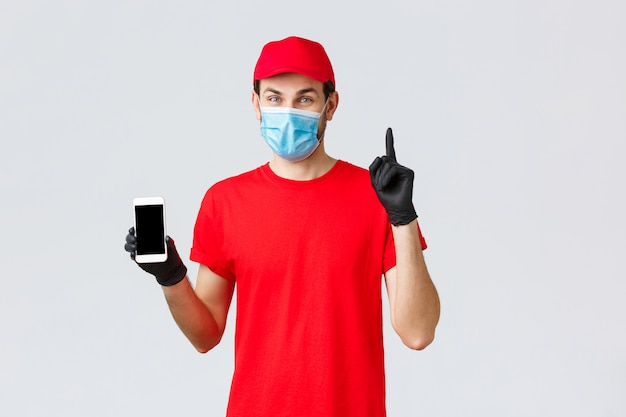 Porträt des lieferboten mit gesichtsmaske