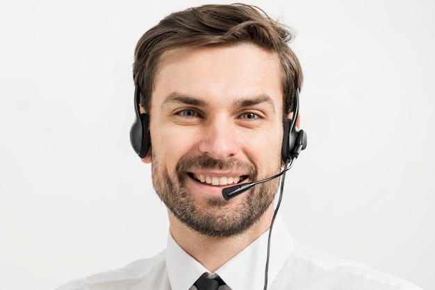 Porträt des männlichen call-center-agenten