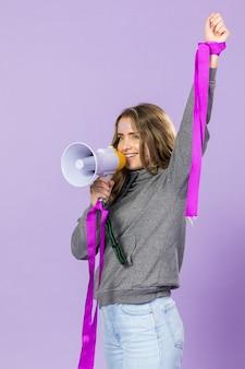 Porträt des weiblichen aktivisten protestierend
