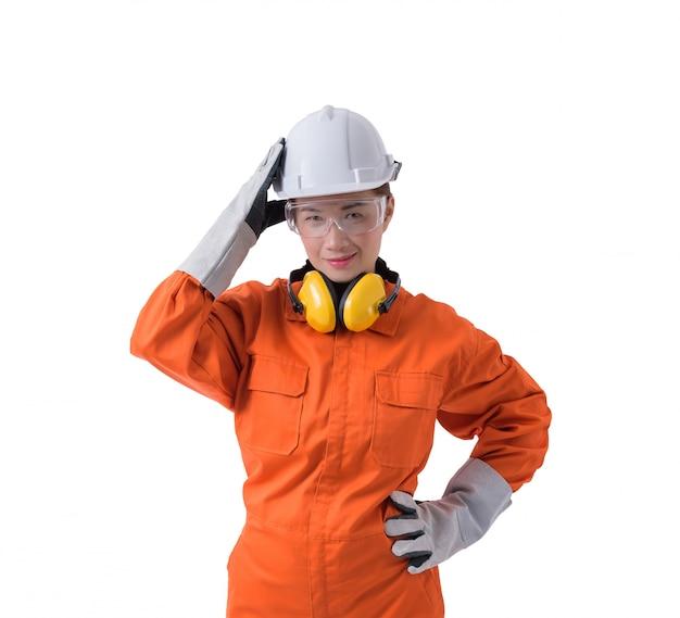 Porträt einer arbeitnehmerin im mechaniker jumpsuit