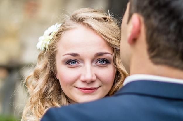 Porträt einer braut vom bräutigam
