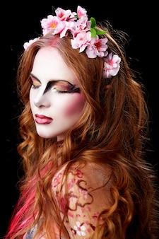 Porträt einer halloween-elfenfrau
