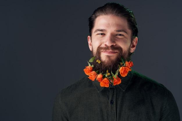 Porträt eines bärtigen mannes blüht dekorationsgeschenkromantik