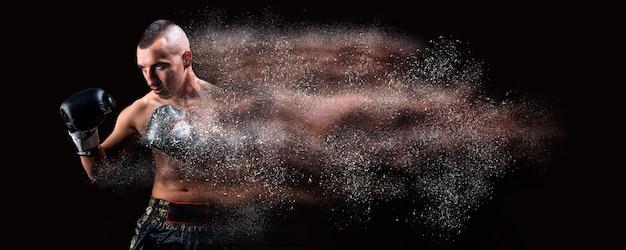 Porträt eines boxers der gemischten kampfkünste. das konzept des sports, mma, kickboxen. gemischte medien