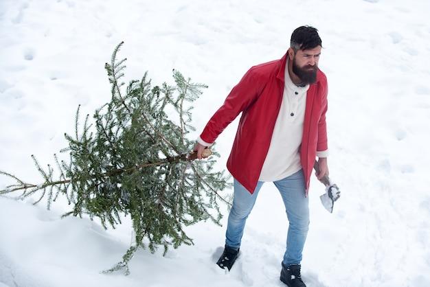 Porträt eines brutalen reifen weihnachtsmannes. frohe weihnachten und ein frohes neues jahr grußkarte mit kopie