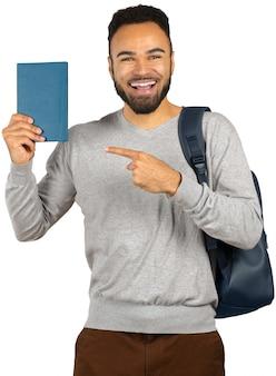 Porträt eines glücklichen jungen afrikanischen männlichen studenten