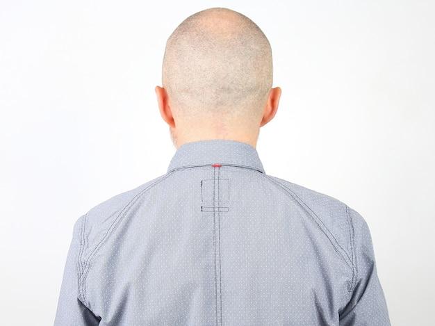 Porträt eines kahlen mannes von hinten