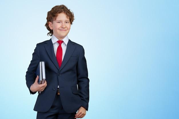 Porträt eines kindergeschäftsmannes