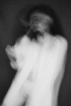 Porträt eines mädchens mit psychischen störungen