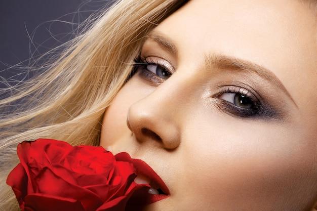 Porträt eines mädchens mit schönem make-up