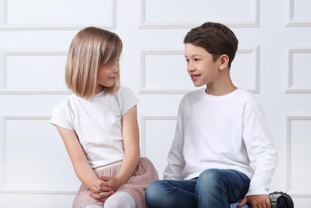 Porträt von glücklichen kindern