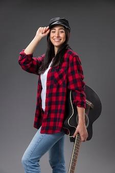 Porträt weiblicher gitarrist