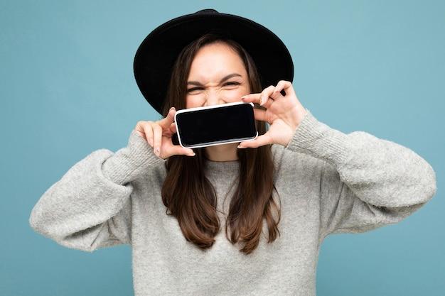 Porträtfrau mit telefon