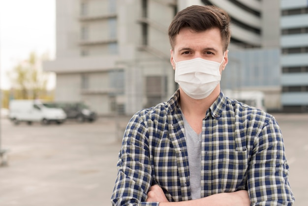 Porträtmann mit maske