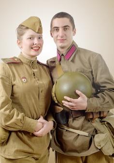 Porträtpaare in der russischen militäruniform