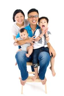 Portrait der asiatischen familie