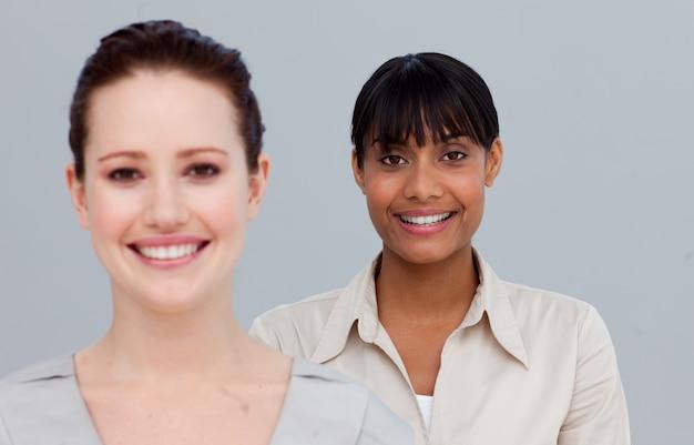 Portrait der lächelnden geschäftsfrauen