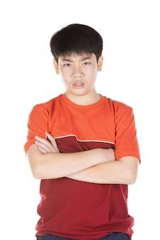 Portrait des asiatischen lächelnden jugendlich jungen. mittlerer schuss des hübschen kerls.