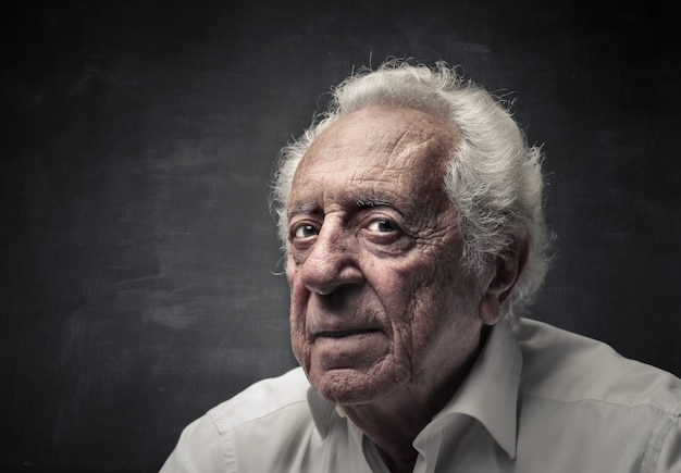 Portrait eines alten mannes