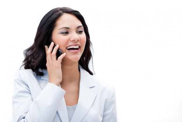 Portrait eines lustigen geschäftsfrauanrufens