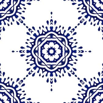 Portugiesische azulejo-fliesen. blaues und weißes herrliches nahtloses muster mit blume. handgezeichnete aquarellmalerei