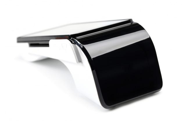 Pos endgerät zum lesen von bankkarten isoliert auf weißer wand