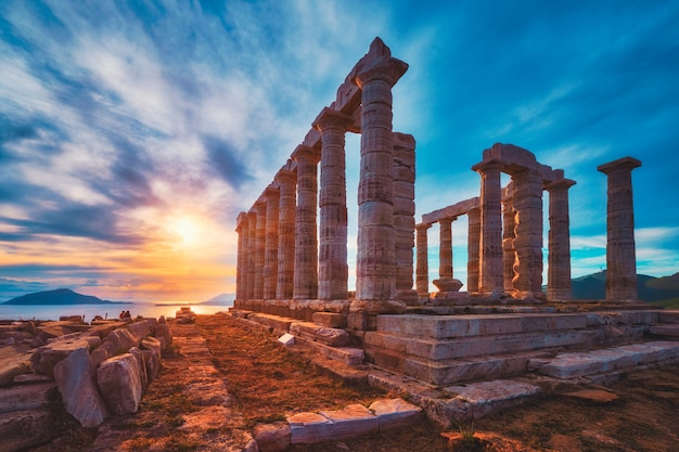 Poseidon tempel ruinen auf kap sounio auf sonnenuntergang griechenland