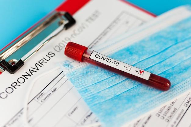 Positives bluttestergebnis für das neue sich schnell ausbreitende coronavirus