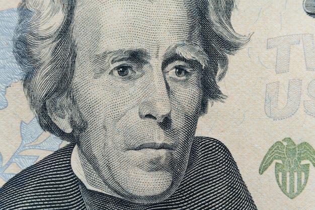 Präsident andrew jacksons gesicht erscheint auf der 20-dollar-rechnung.