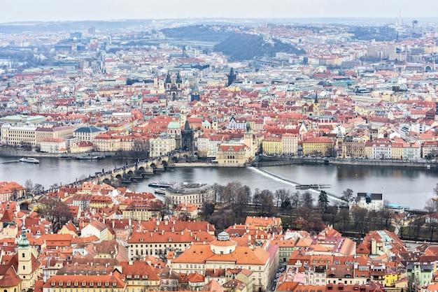Prag stadt und fluss Premium Fotos