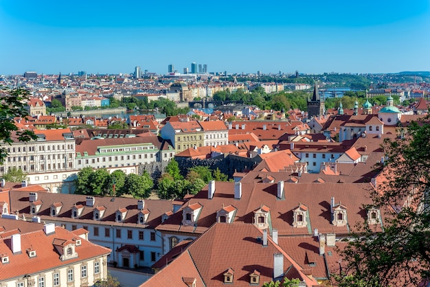 Prager stadtbild von der prager burg aus gesehen. prag, tschechische republik