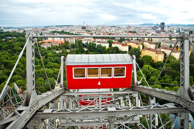 Prater park blick vom riesigen alten riesenrad in wien, österreich